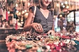 Grossiste Paris- vente en gros de bijoux, vêtement